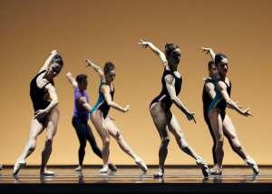 San Francisco Ballet in Pas/Parts (photo Erik Tomasson)